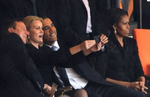 barak obama selfie